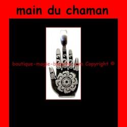 main du chaman consacrée
